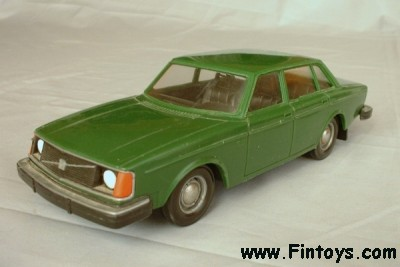 Interesantni modeli u 1/43 - Page 3 Volvo_244_DL_DarkGreen_aN